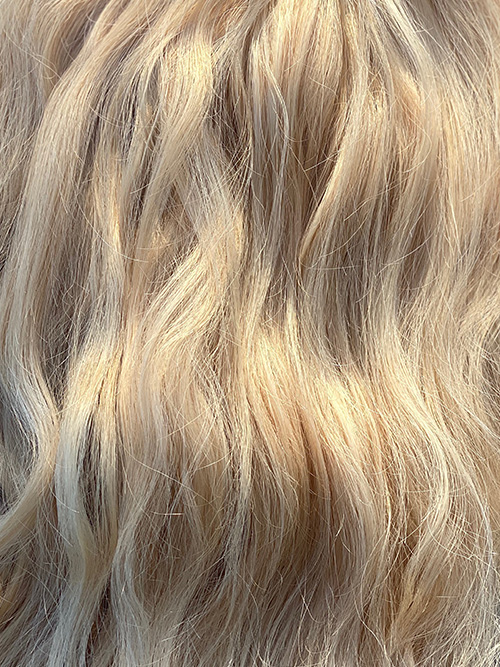 London-Summer-Blonde-adored-signature-hair-extensions